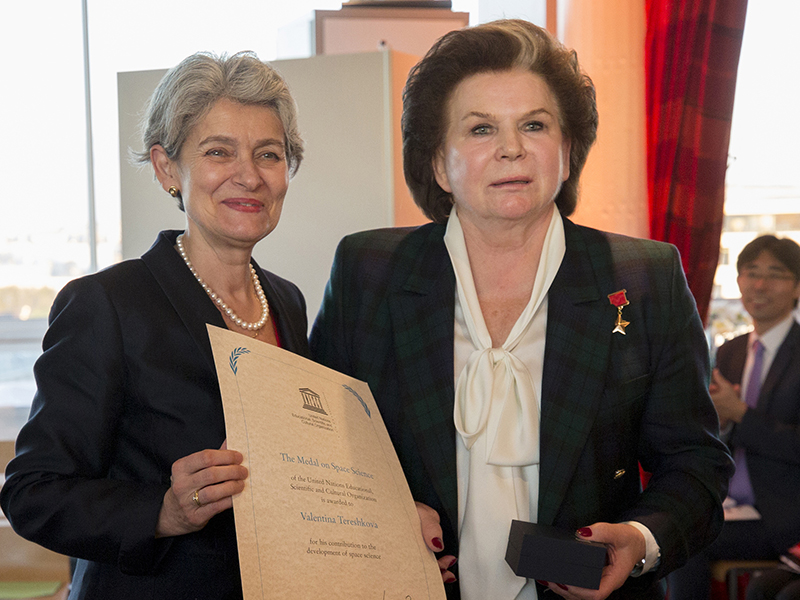 Ms Tereshkova, who was the first woman in space, receiving the UNESCO Medal on Space Science in 2017. © UNESCO/Christelle ALIX