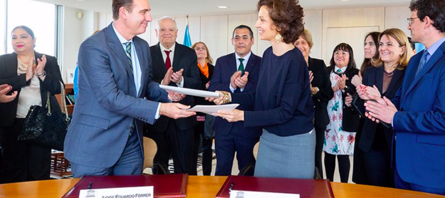 UNESCO and Inter-American Court of Human Rights Human (IACHR) signed a Memorandum of Understanding (MoU) to strengthen the protection of freedom of expression, press freedom and safety of journalists in the Latin American and the Caribbean region. © UNESC
