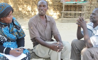 UNESCO Project Officer Rose Ngunangwa speaks with Mkoani community radio listeners in Panza island, Pemba