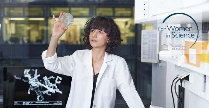 Professor Emmanuelle Charpentier in the lab