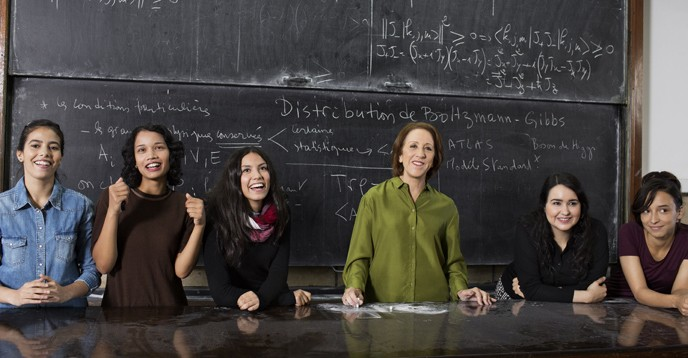 Prof. Rajaâ El Moursli, 2015 laureate of the L'Oréal-UNESCO For Women in Science Awards, and her students at Mohammed V University-Agdal (UM5A), Morocco. © Brigitte Lacombe for the L'Oréal Foundation.