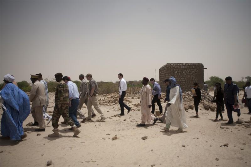 Ambassadors and Chiefs, Three Saints Cemetery, Timbuktu